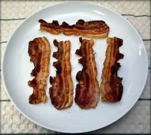 Bacon no microondas: receita passo a passo.