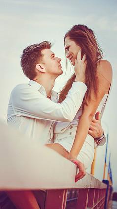 Como movimentar a língua no beijo
