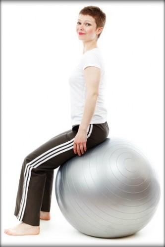 É saudável praticar atividade física de manhã e a noite?