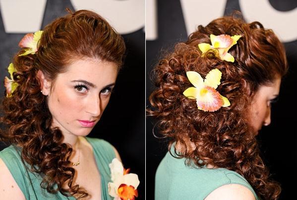 Penteados para casamentos para mulheres de cabelos enrolados