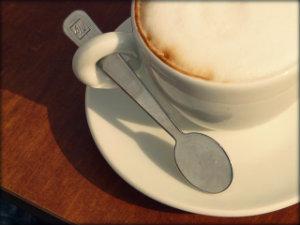Como vaporizar leite na cafeteira