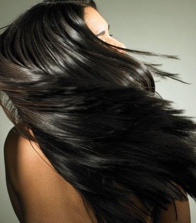 O crescimento dos cabelos ocorre durante toda a vida.