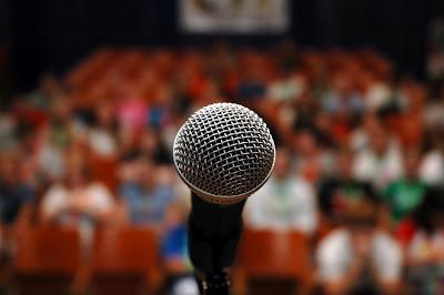 Três regras que farão você perder o medo de falar em público.